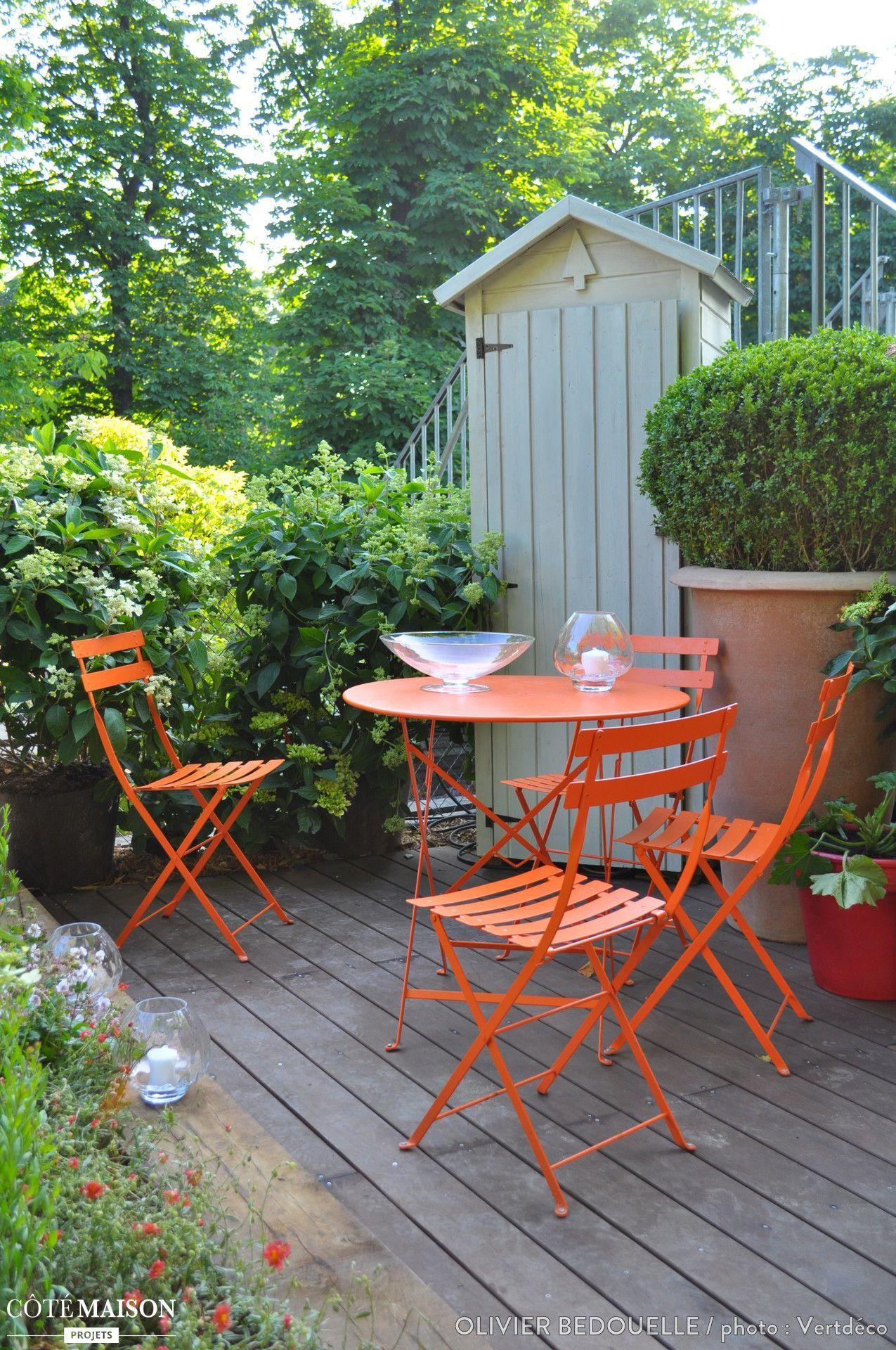 Une Petite Terasse Très Colorée. | Petits Jardins, Design ... intérieur Maisonnette Jardin Occasion
