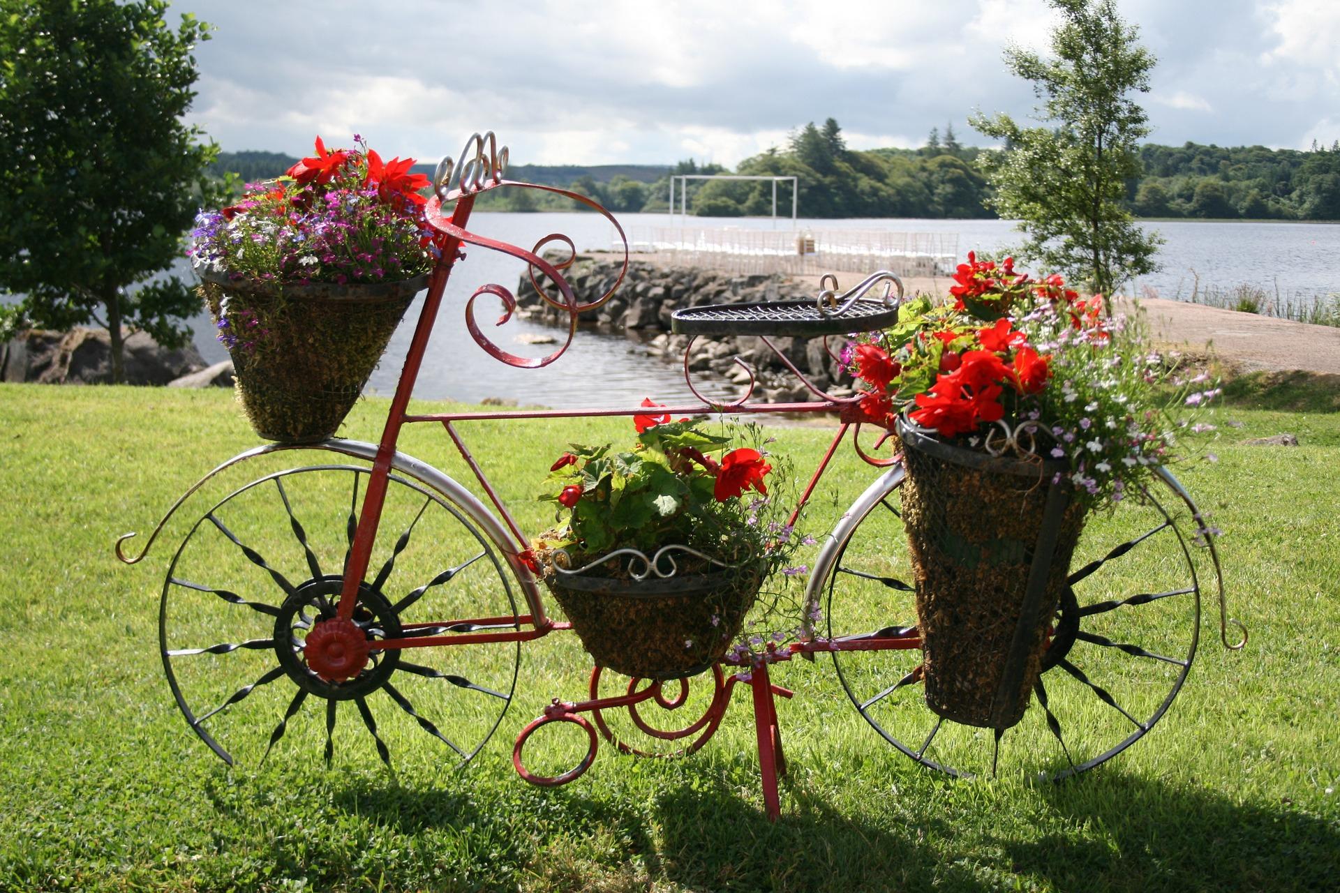 Une Touche D'originalité Avec Le Vélo Déco Jardin | Unmec.fr intérieur Velo Deco Jardin
