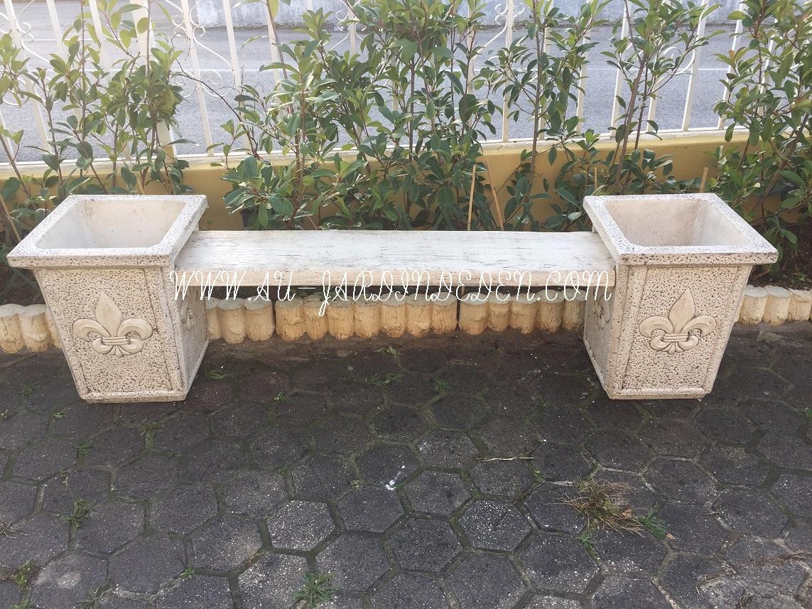 Vase Exterieur De Jardin En Pierre Royal intérieur Vase En Pierre Jardin