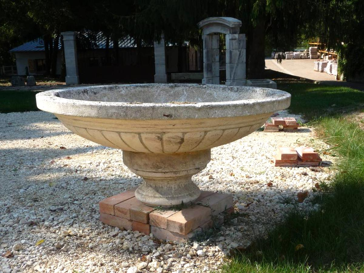 Vasque Pierre Jardin D'occasion serapportantà Vasque Jardin Pierre