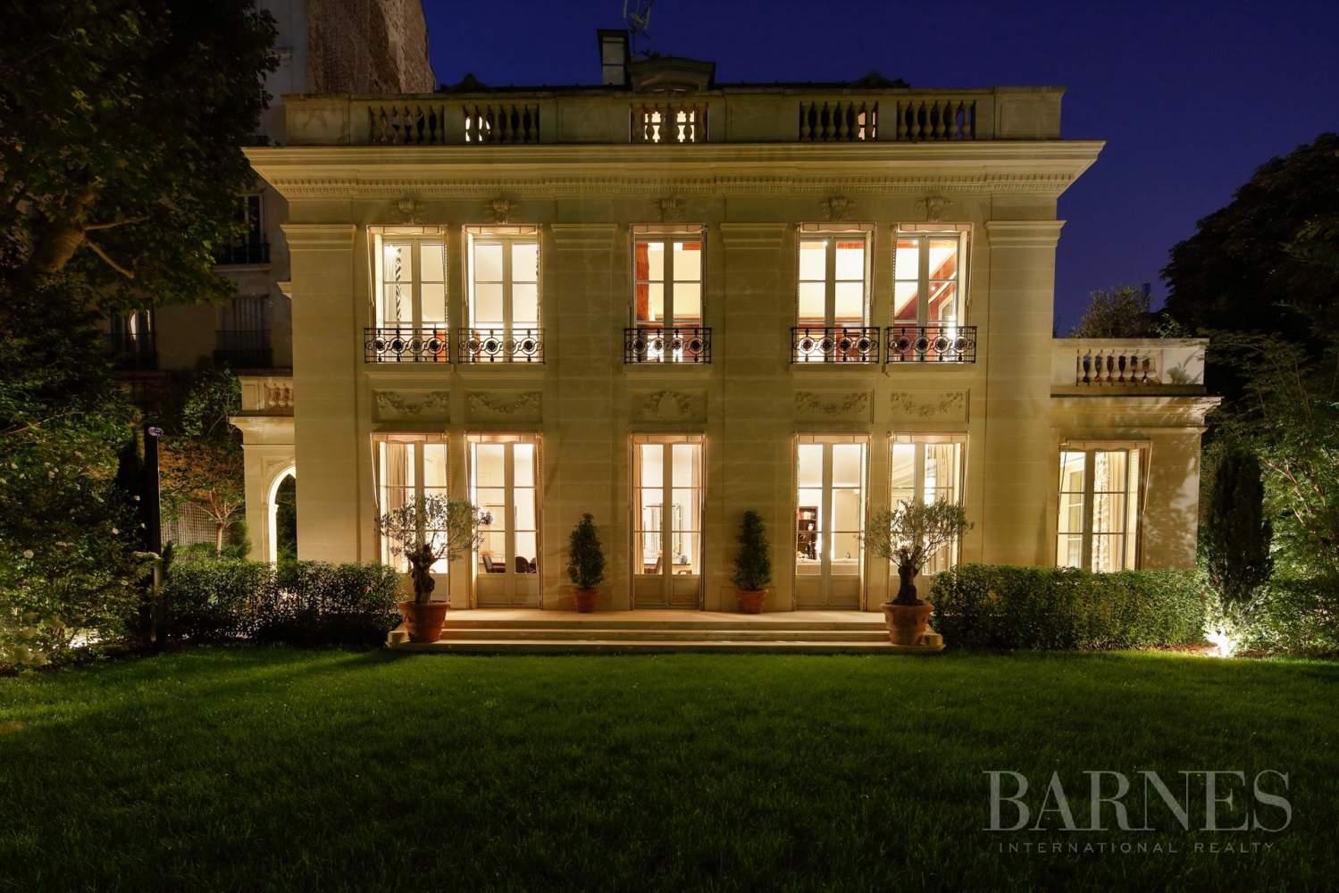 Vente Neuilly Sablons - Propriété D'exception - Jardin Et ... intérieur Le Jardin De Neuilly Hotel