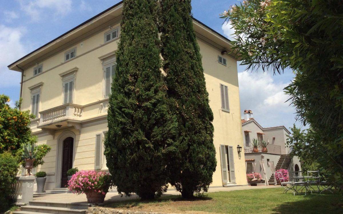 Villa Gespina : Luxueuse Et Élégante Villa Art Nouveau À ... encequiconcerne Maison Avec Jardin A Louer