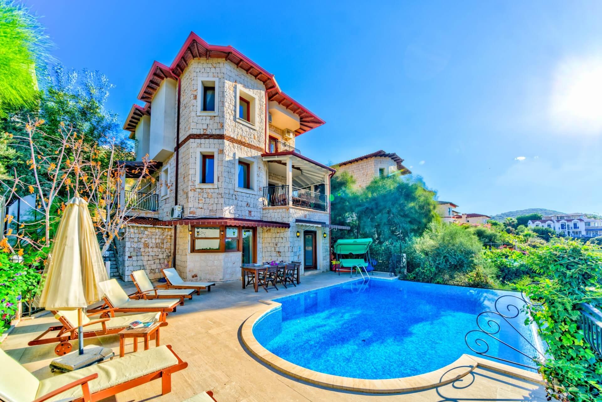 Villa Noa : Huzur Ve Konfor Bir Arada | Fidorento dedans Super U Salon De Jardin
