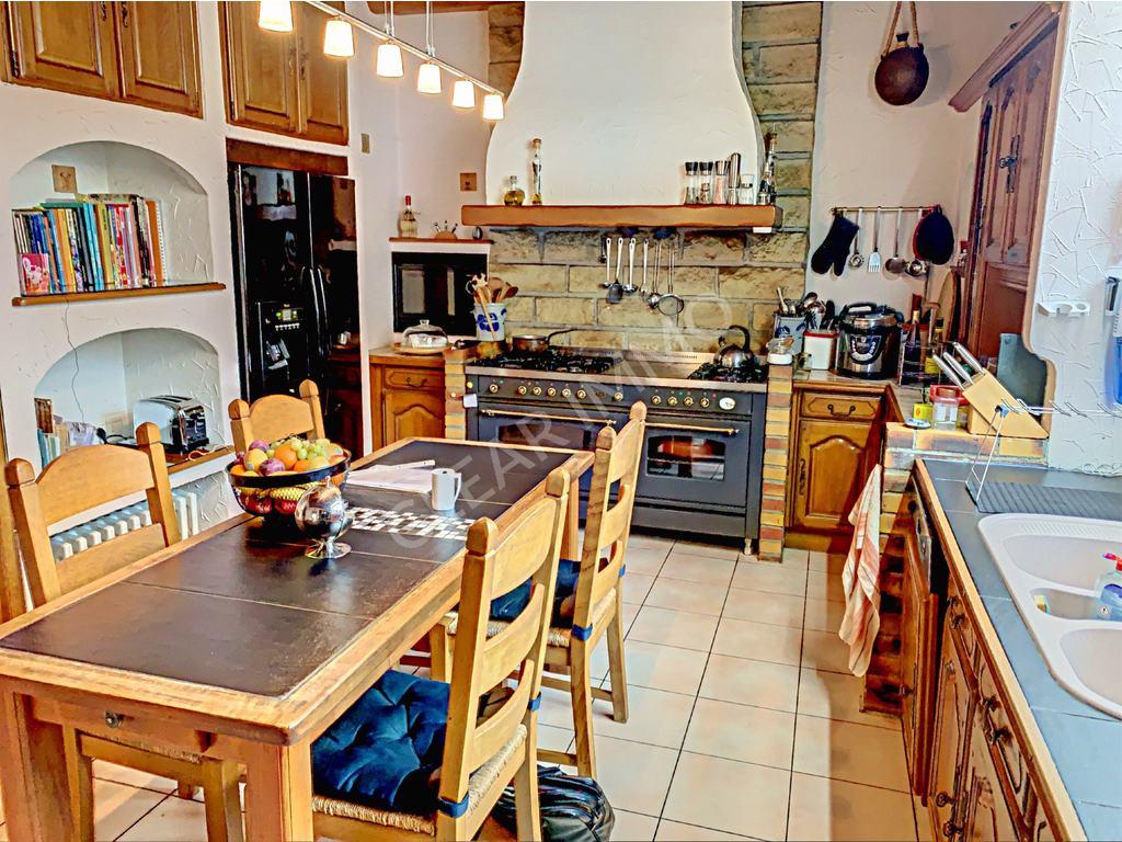 Village House 5 Rooms For Sale In Koenigsmacker (France ... concernant Table Carrelee Jardin