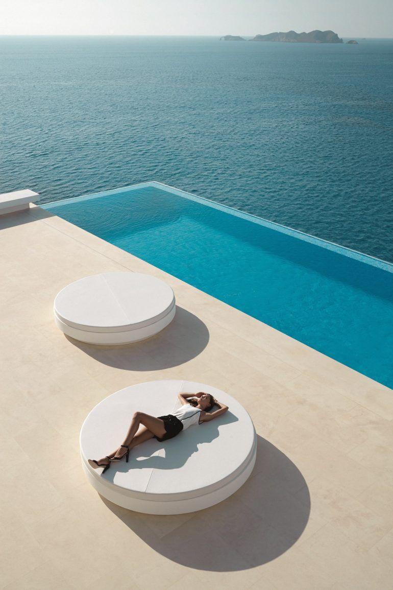 Vondom – Terrasse Design Avec Lit Rond | Maison De Plage ... dedans Lit De Jardin Rond