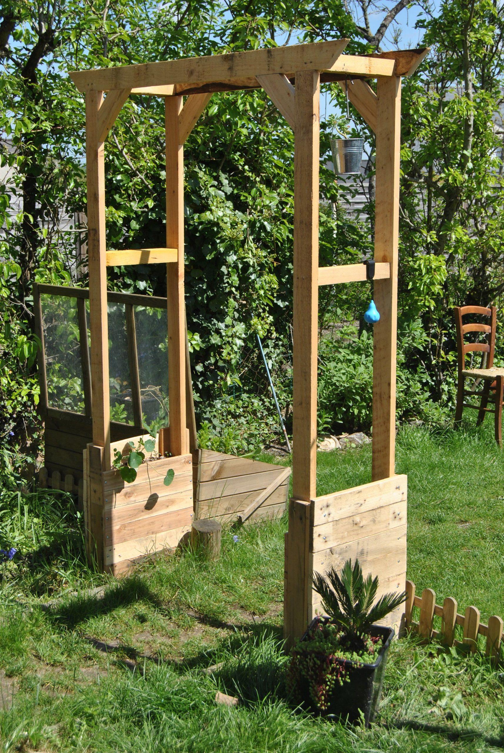 Votre Magazine Pour Le Bricolage Et Le Jardinage | Arche ... serapportantà Treillis Bois Jardin