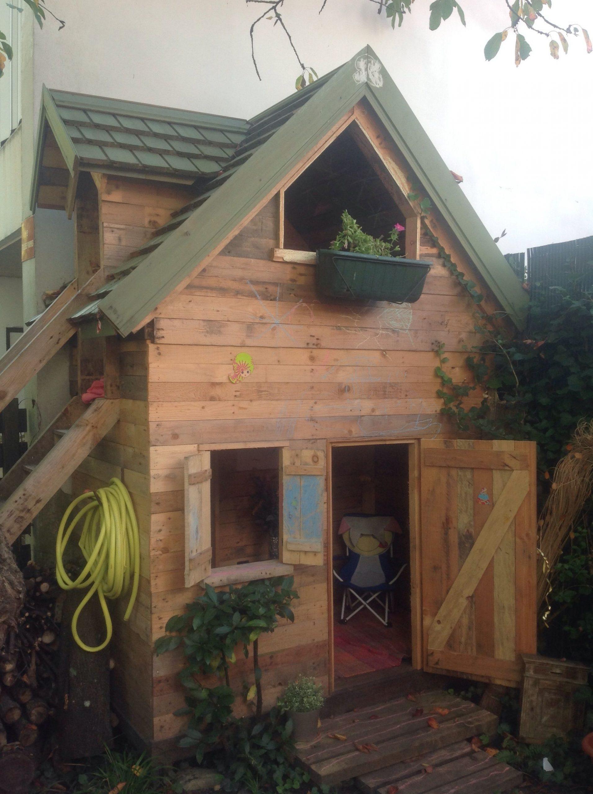 Votre Magazine Pour Le Bricolage Et Le Jardinage | Cabane ... intérieur Cabane De Jardin Enfant Bois