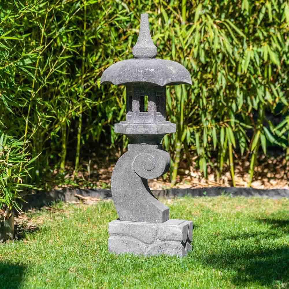 Wanda Collection Lanterne Japonaise Pagode En Pierre De Lave ... serapportantà Lanterne Japonaise Jardin