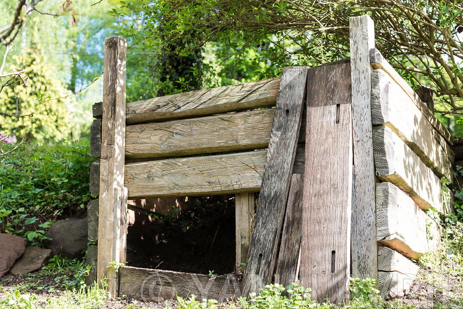 Yann Avril Photography | Garden And Nature Composteur ... tout Composteur De Jardin