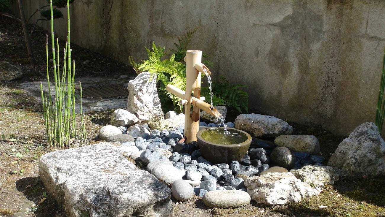 Zénitude Au Jardin » Shishi Odoshi – Fontaine En Bambou encequiconcerne Installation Fontaine De Jardin