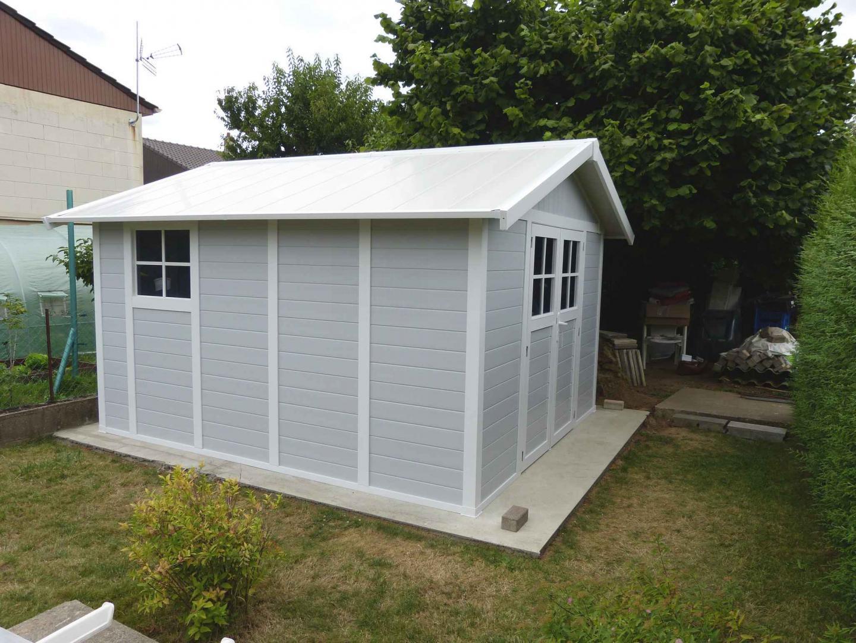 Abri De Jardin En Pvc 11,2M² Deco Gris Clair Et Blanc Grosfillex tout Abri De Jardin Grosfillex