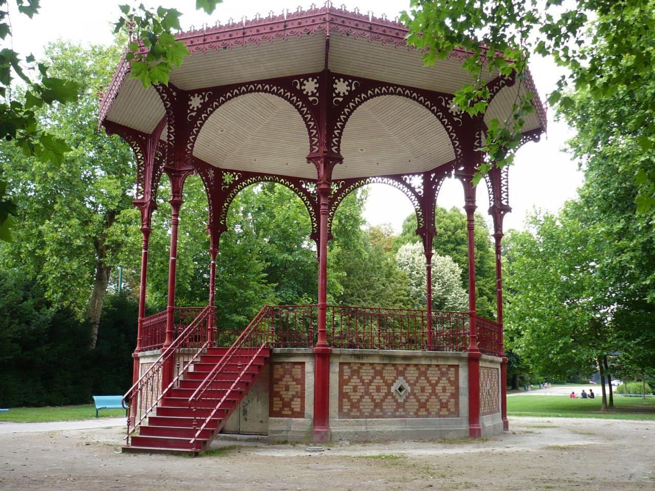 Abris De Jardin: Kiosque De Jardin Fermé intérieur Kiosque Jardin Fer