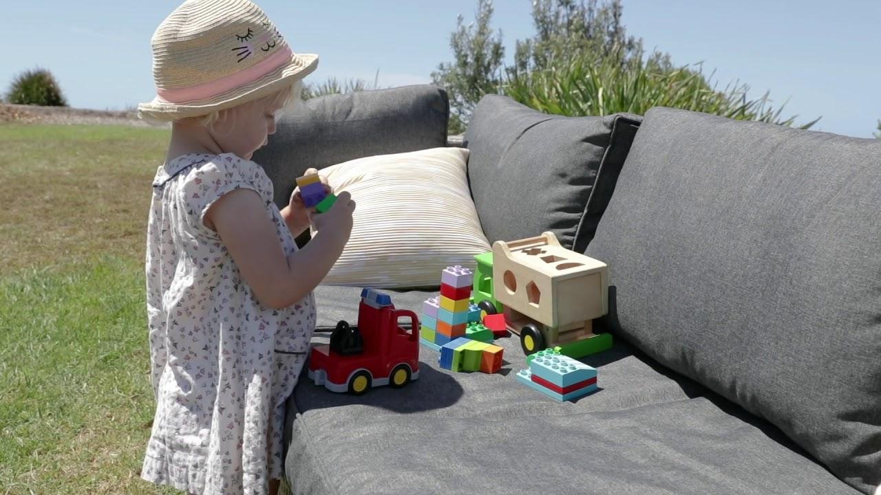 Alice's Garden | Outdoor Lounge Caligari @ Tamarrama Kids pour Alice Garden Caligari