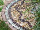Allées De Jardin Originales En 48 Idées Inspirantes Pour ... pour Galets Blancs Jardin