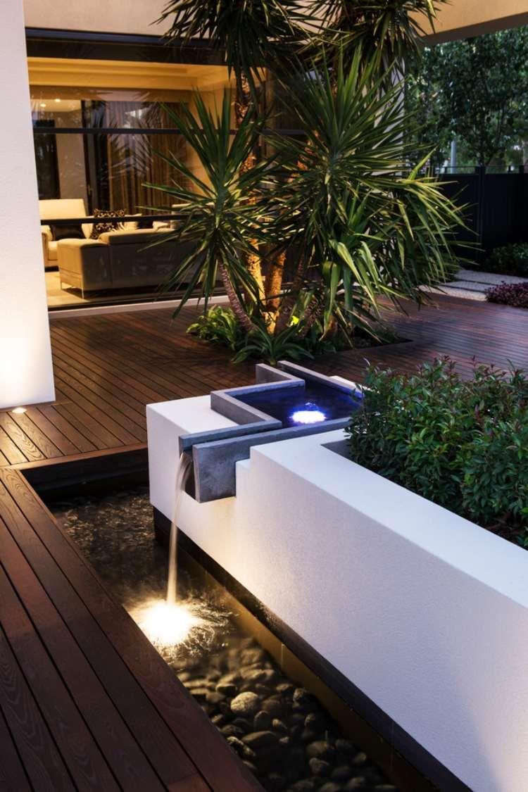 Aménager Son Jardin Et Terrasse – 52 Idées Pour Votre Oasis ... encequiconcerne Fontaine De Jardin Moderne