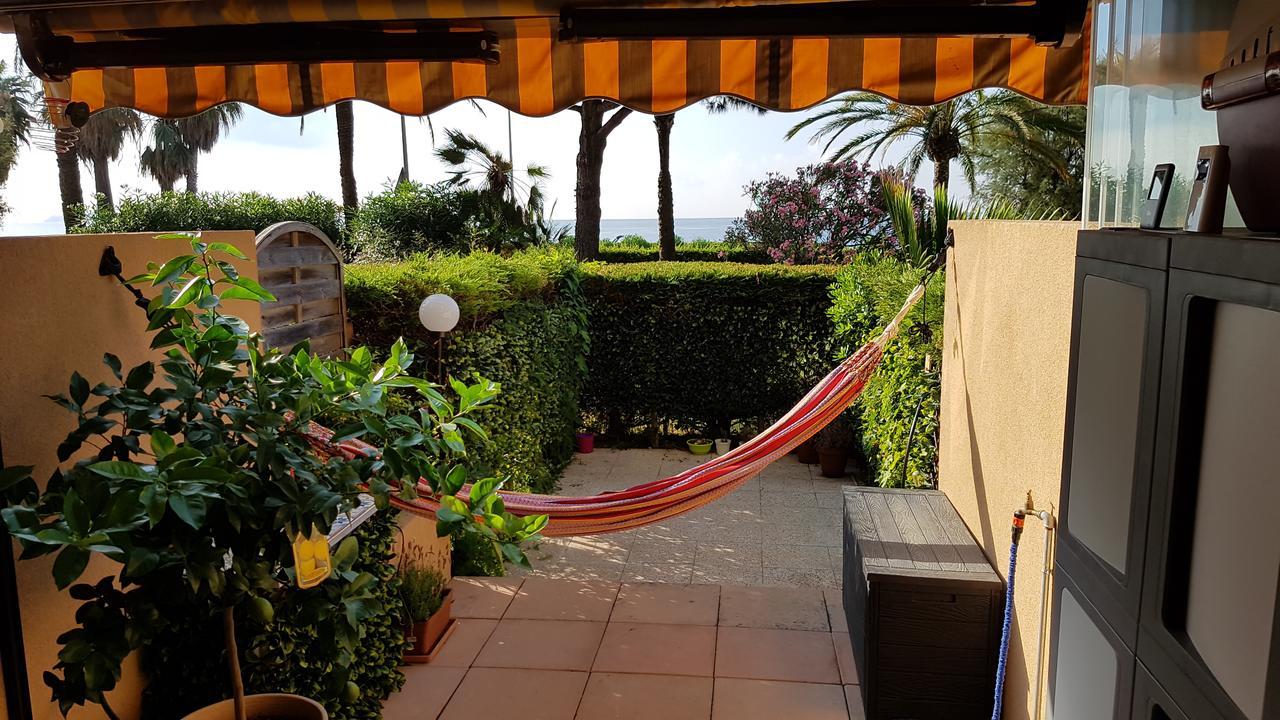 Apartment T2 Rez De Jardin Front De Mer, Cannes, France ... pour Location Rez De Jardin Antibes