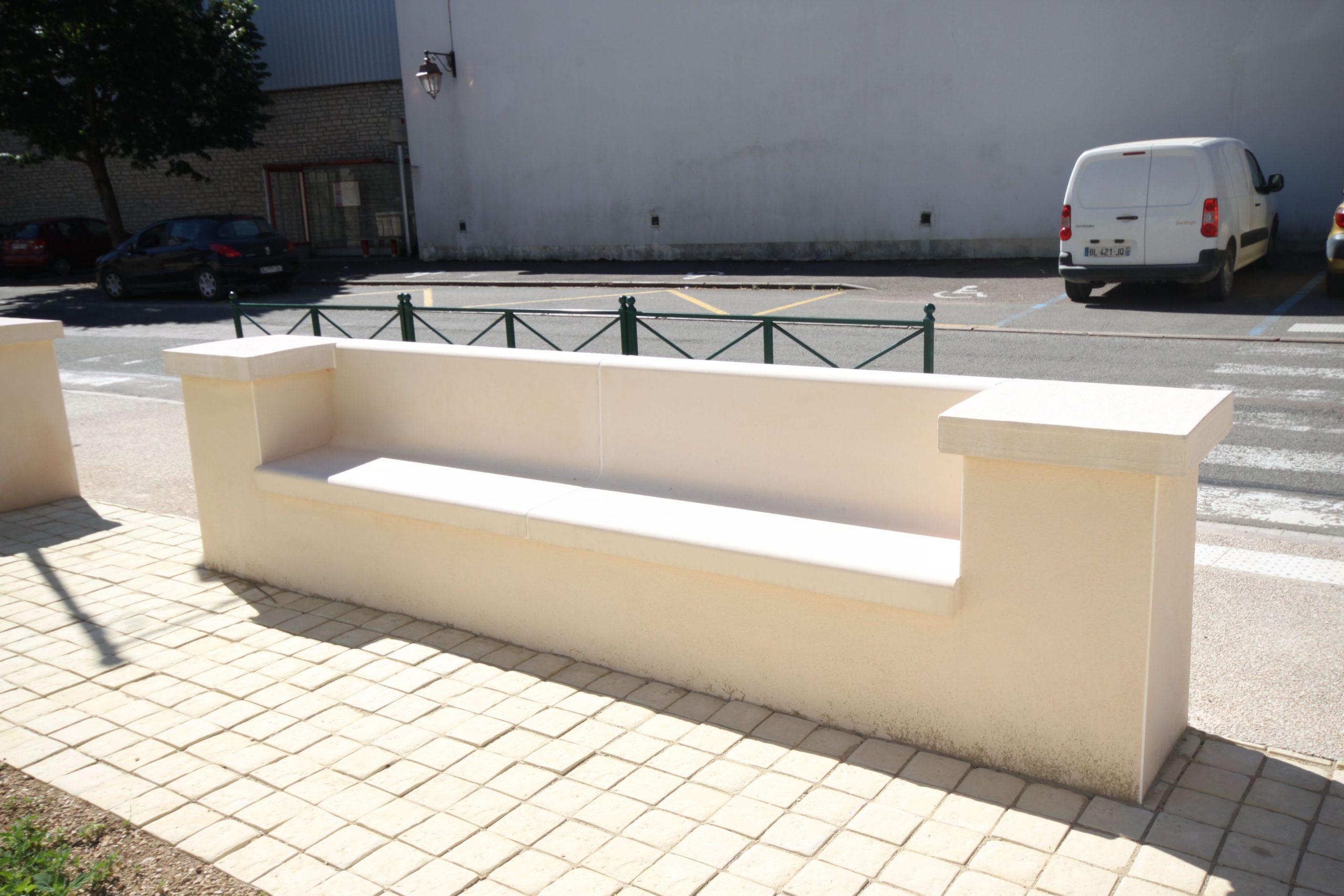 Banc Extérieur Pour L'aménagement D'espaces Publics, Banc ... destiné Banc Extérieur Béton
