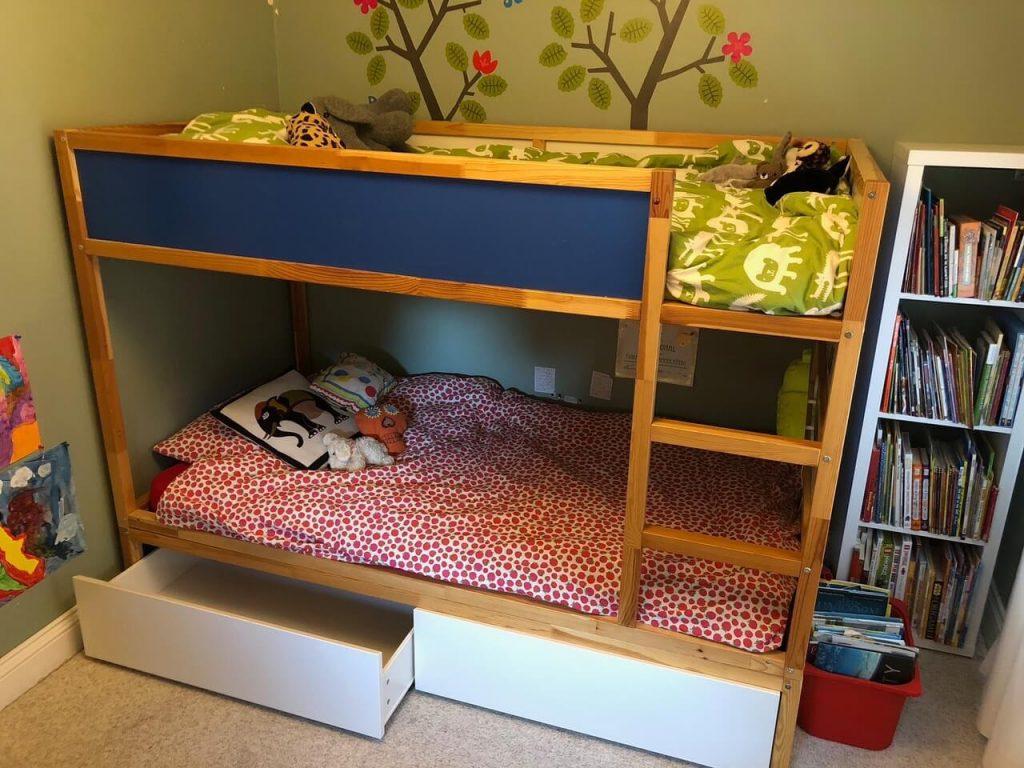 Bidouiller Le Lit Réversible Kura En Un Lit Superposé Avec ... avec Lit Cabane Ikea