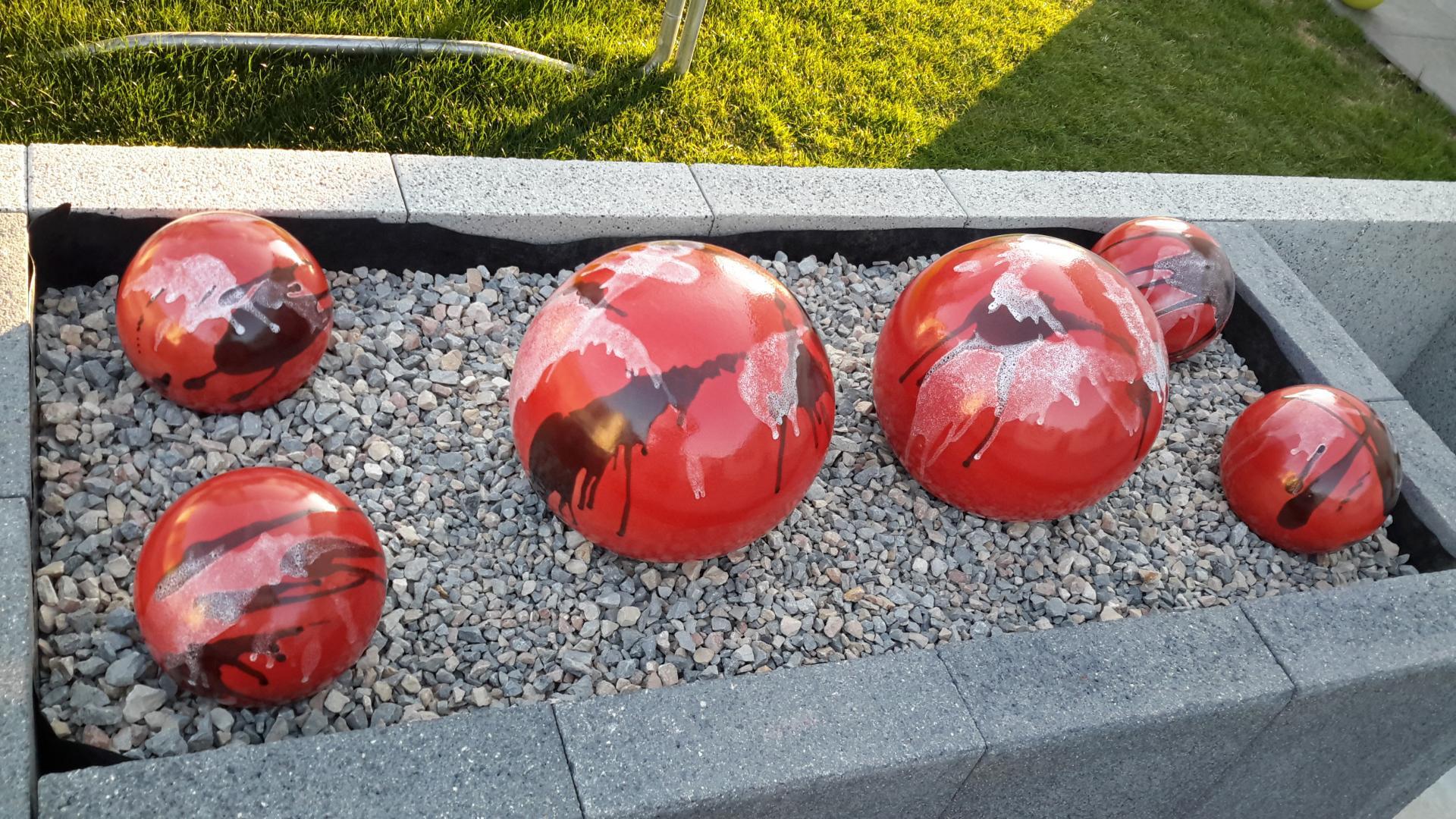Boules En Grès Pour La Décoration Extérieure, Poteries De Jardin destiné Boule Decorative Jardin