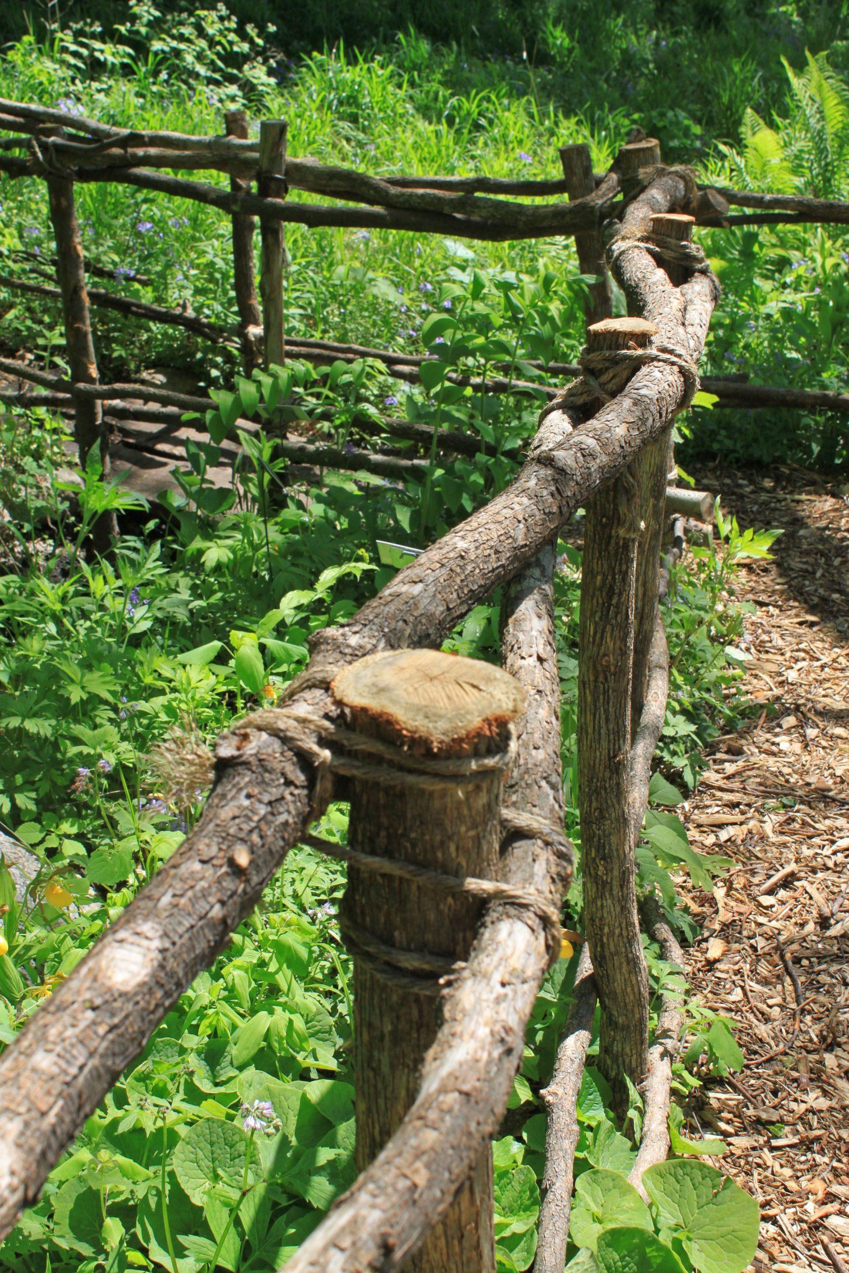 Clôture En Bois Rustique | Le Jardin | Jardins, Barrière ... intérieur Pont De Jardin Bois