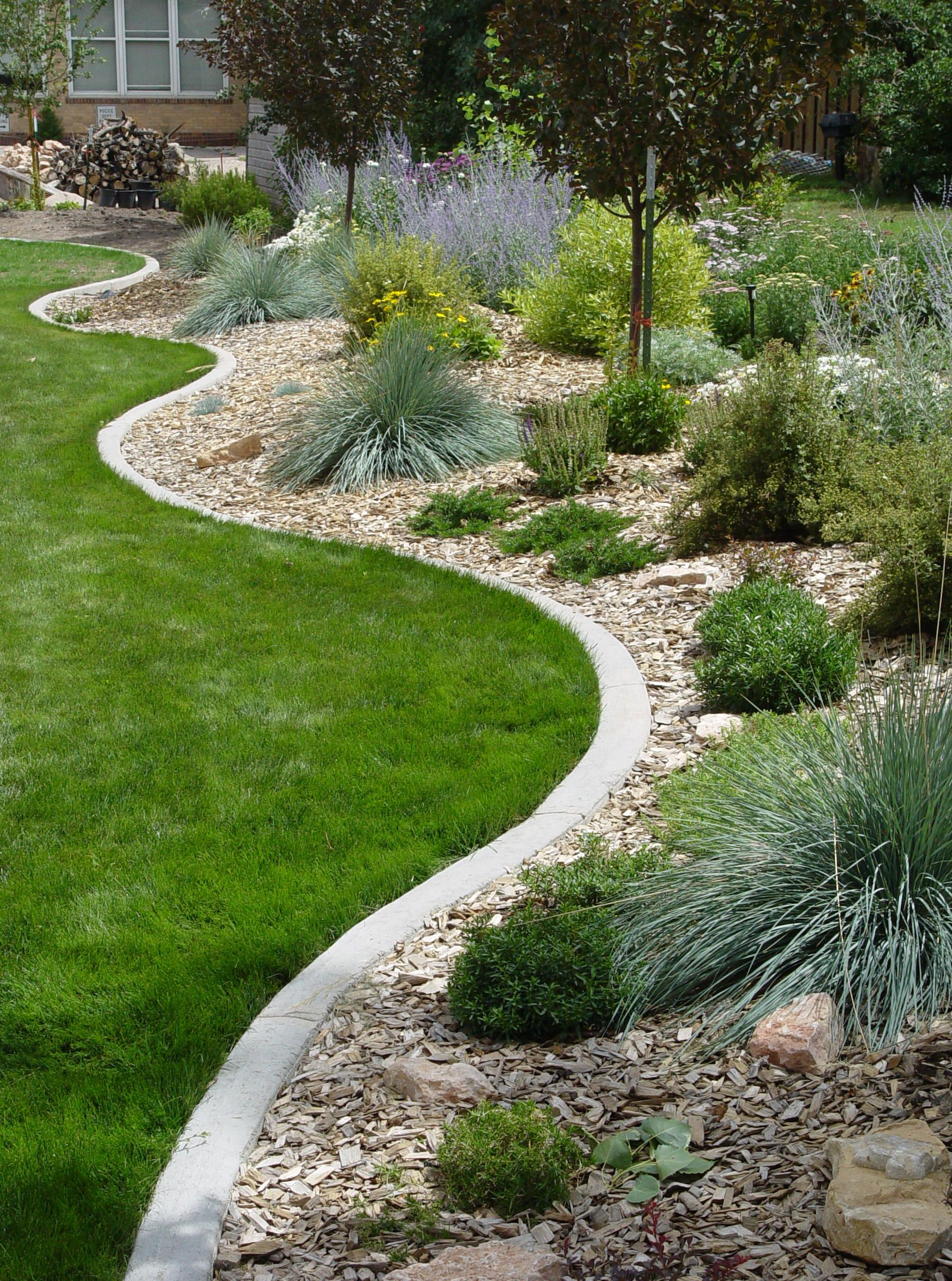 Decor How To Install Lawn Edging Metal Edging Lowes Metal ... pour Bordure Metal