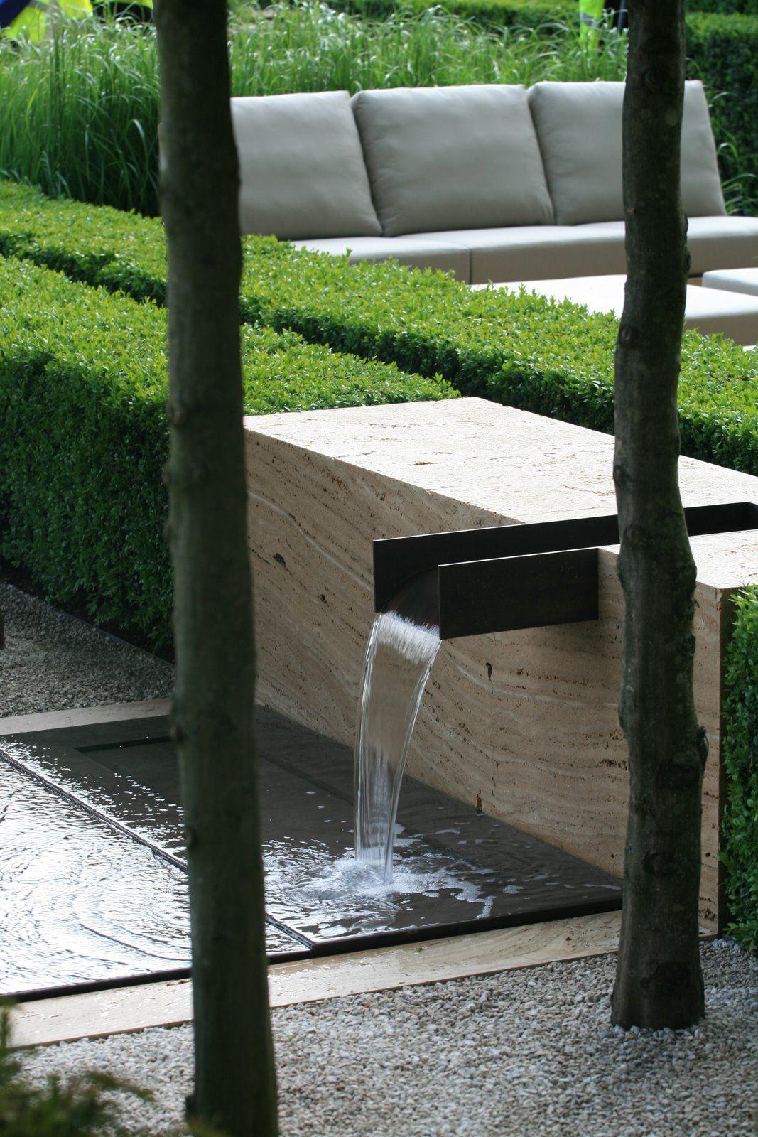 Décoration De Jardin Moderne Avec Bassin Aquatique | Deco ... serapportantà Bassin De Jardin Moderne