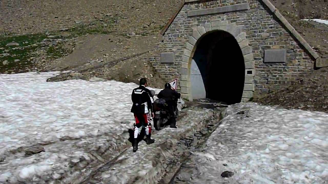 Entrée Du Tunnel Du Parpaillon En 125 Tdr encequiconcerne Tunnel Rigide Jardin