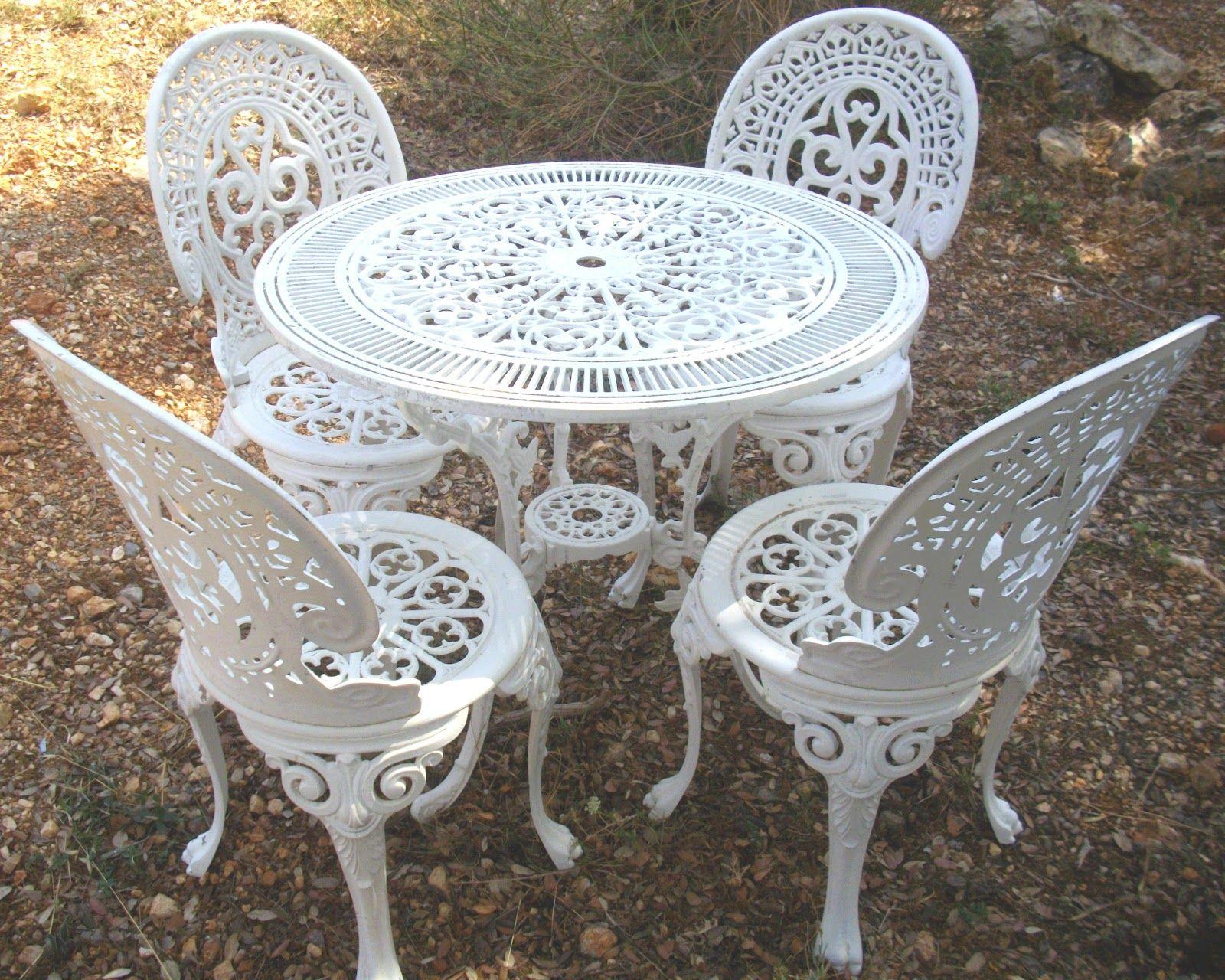 Épinglé Par Therese Zabrinas Sur White | Agrément De Jardin ... pour Mobilier De Jardin En Fonte