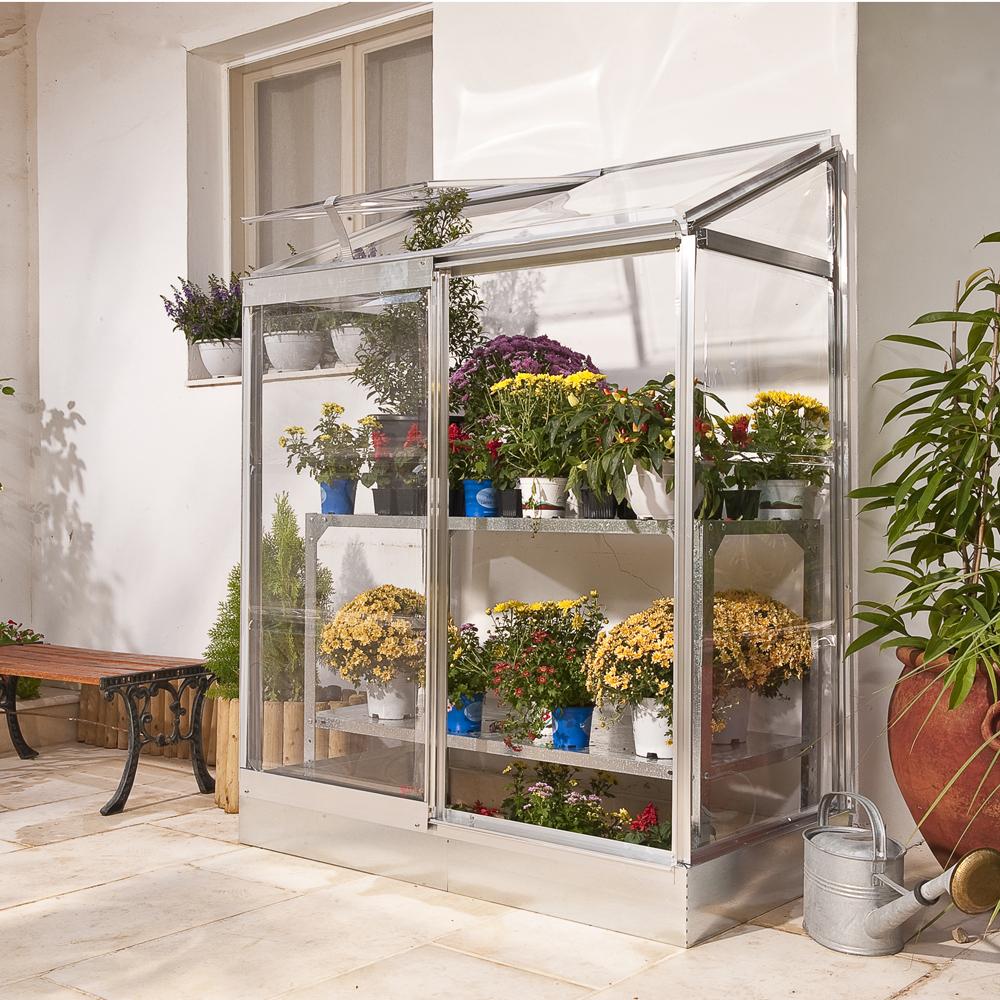 Favoriser La Croissance Des Plantes Sur Le Balcon Avec La ... concernant Serre Adossable