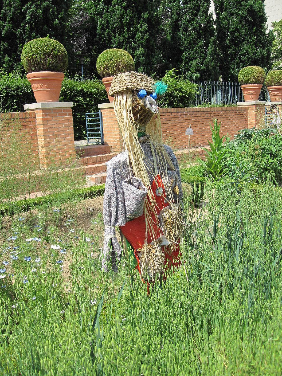 Fichier:jardin Potager Et Épouvantail.jpg — Wikipédia tout Épouvantail Jardin