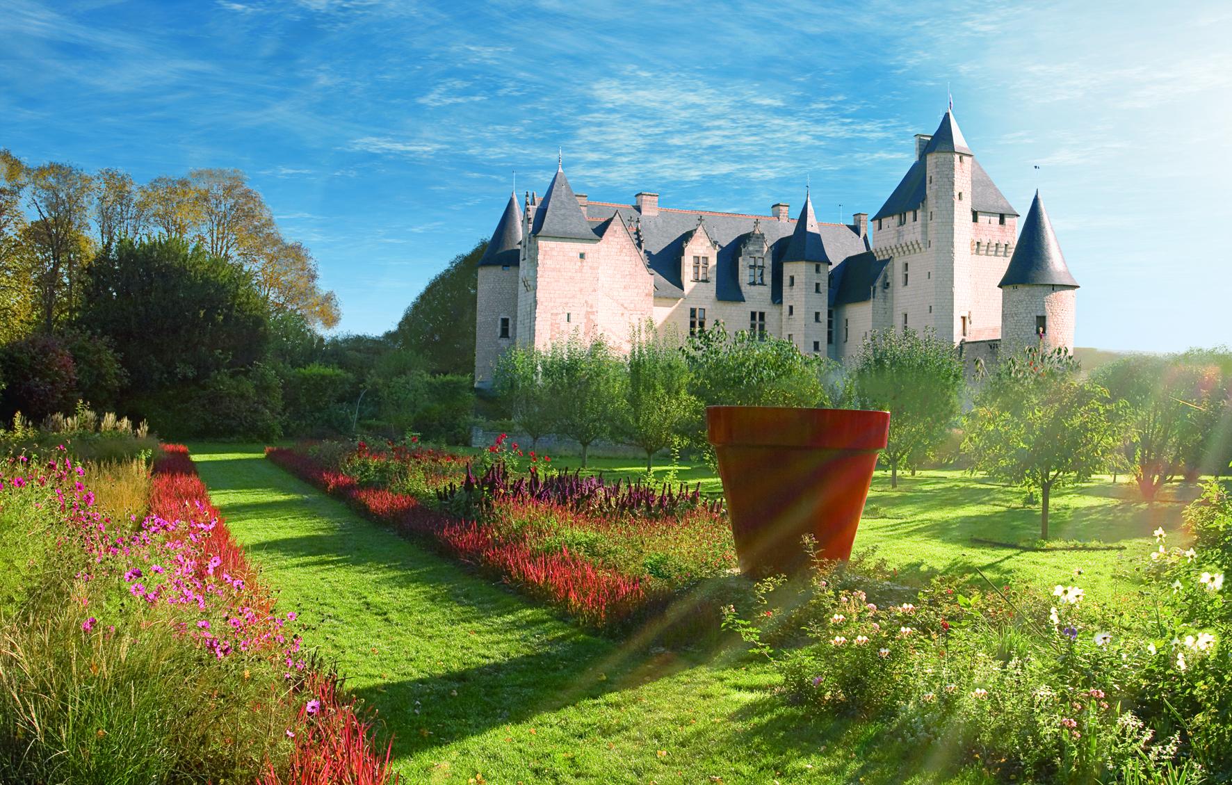 Fichier:pot Rouge De Jean Pierre Raynaud.jpg — Wikipédia encequiconcerne Pot Rouge Jardin