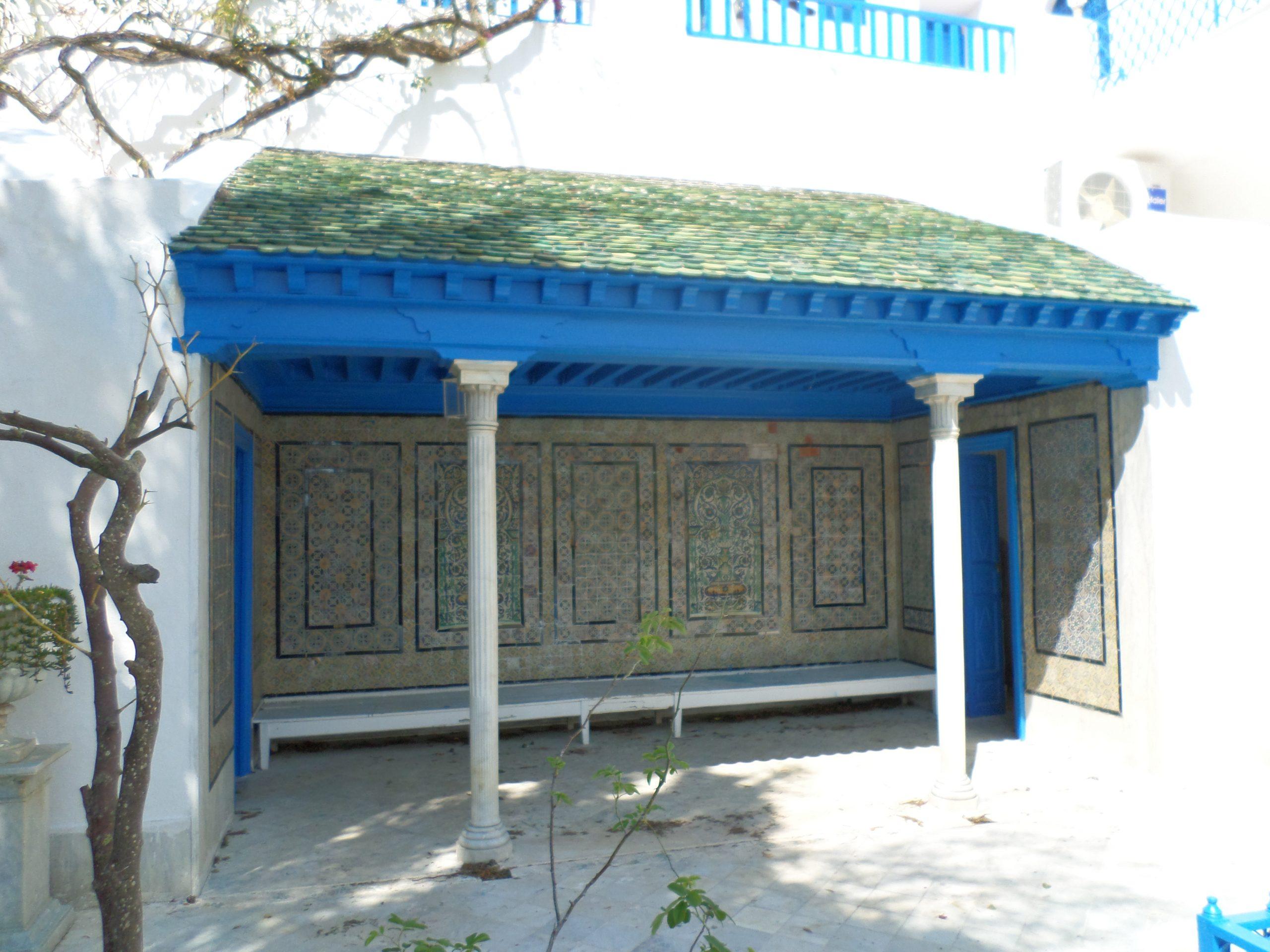 File:abri Tunisien.jpg - Wikimedia Commons pour Abri Composite