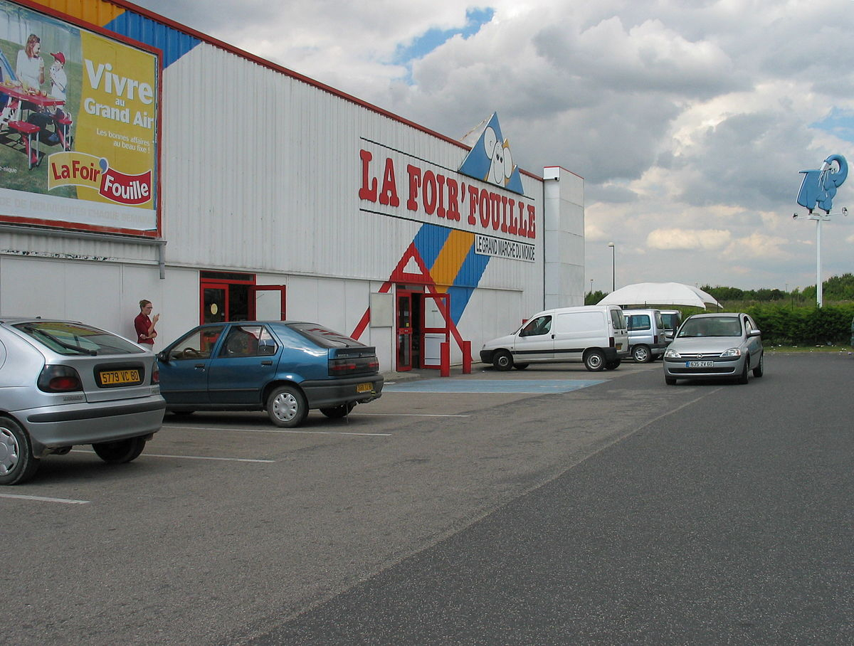 File:amiens Site Touristique La Foir'fouille 2003.jpg ... avec La Foir Fouille