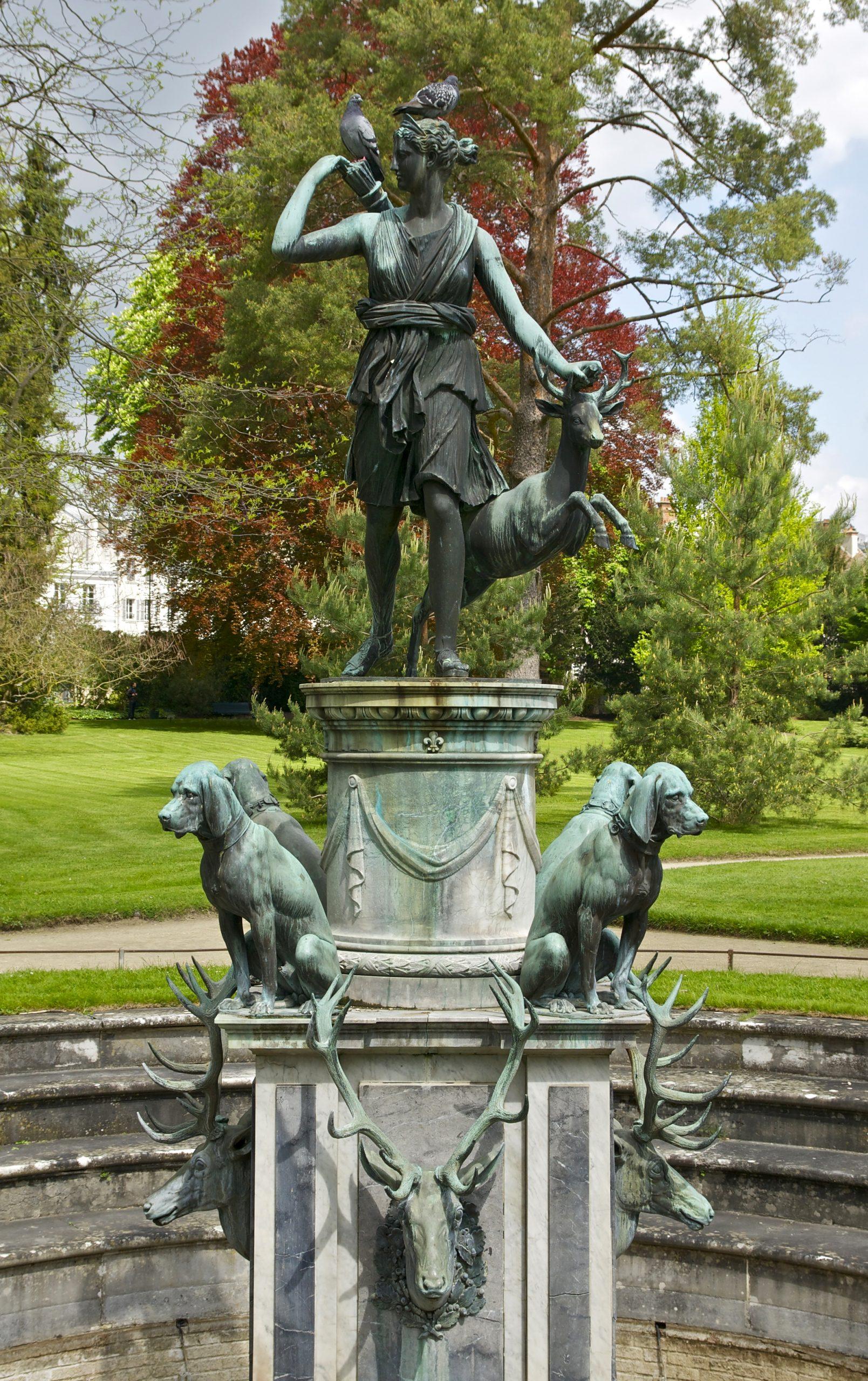 File:fontaine Jardin De Diane Fontainebleau.jpg - Wikimedia ... concernant Image Fontaine De Jardin