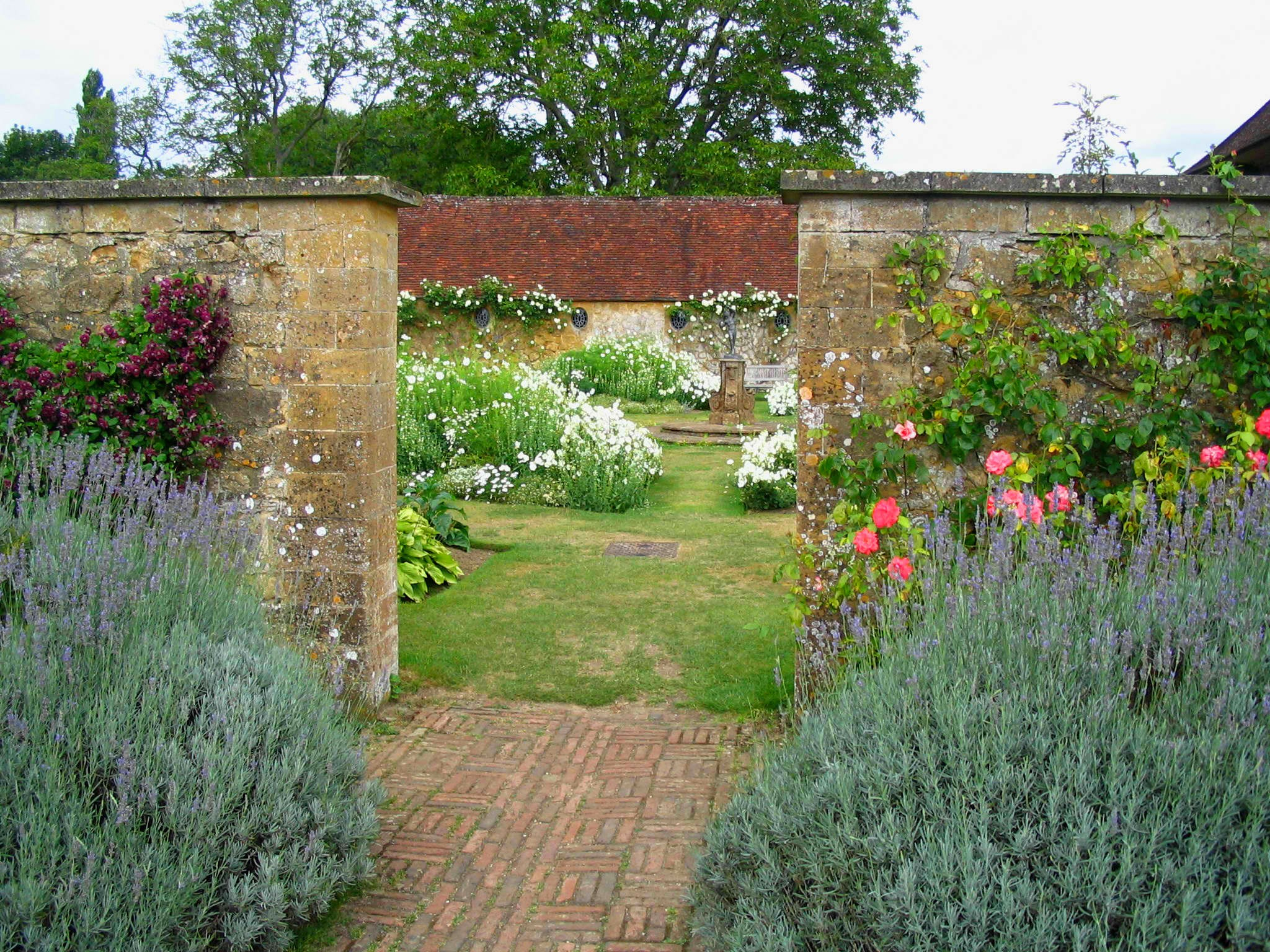 File:g Jekyll Enclosed Garden.jpg - Wikimedia Commons à Enclos Jardin