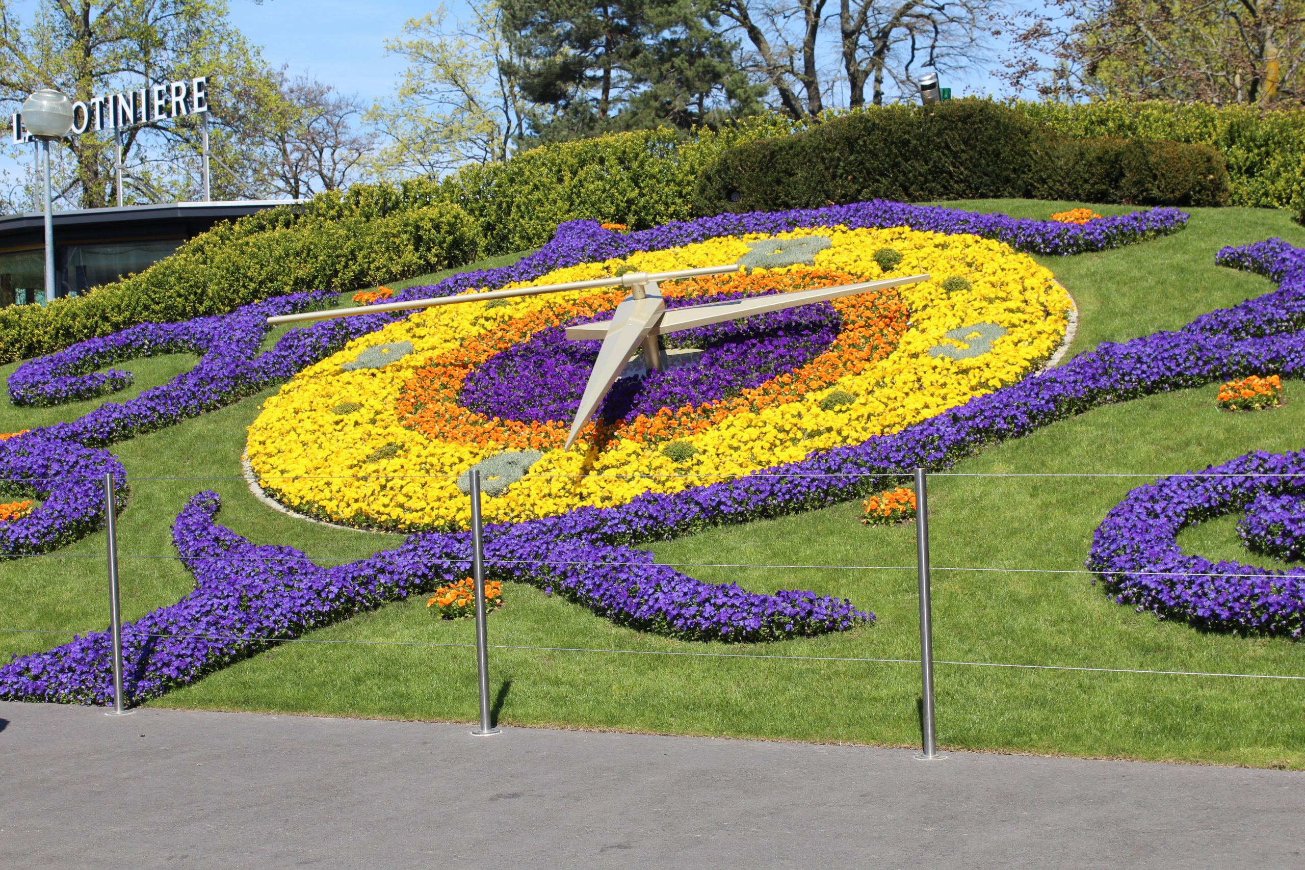 File:horloge Fleurie Parc Jardin Anglais Genève 1.jpg ... dedans Horloge De Jardin