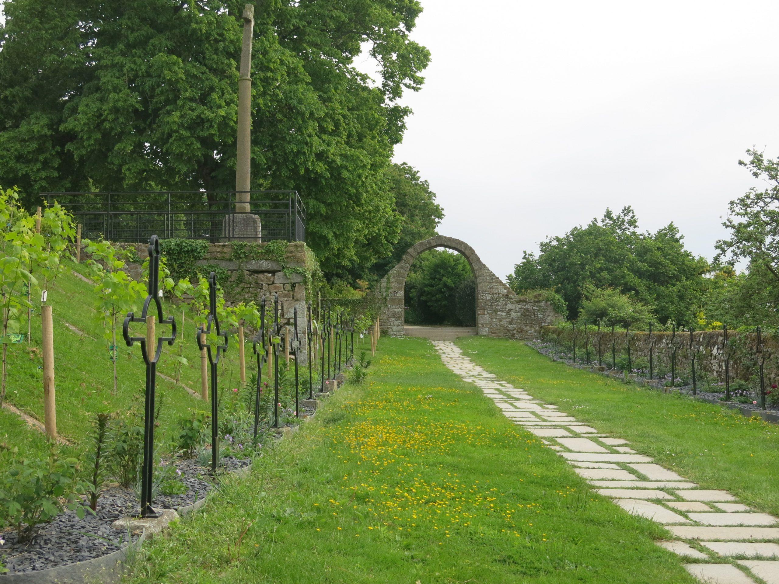 File:jardin Des Ursulines (Jardin Des Plantes D'avranches ... concernant Le Jardin Des Plantes Avranches