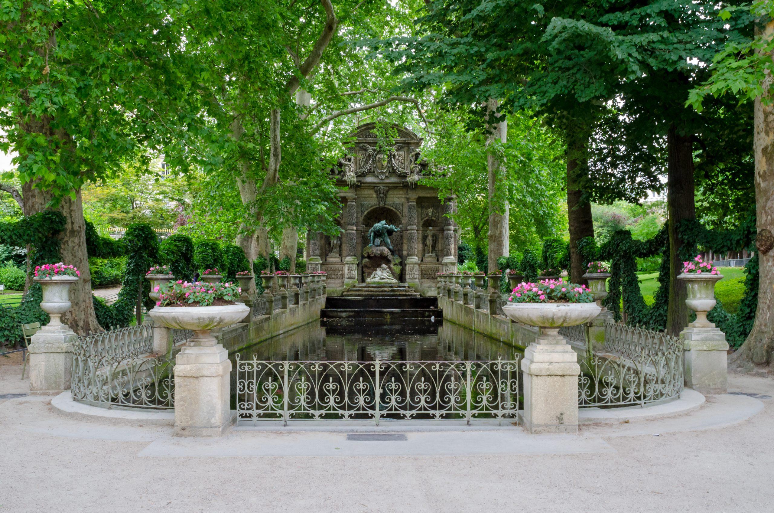 File:la Fontaine Médicis, Jardin Du Luxembourg, Paris 2013 ... destiné Image Fontaine De Jardin