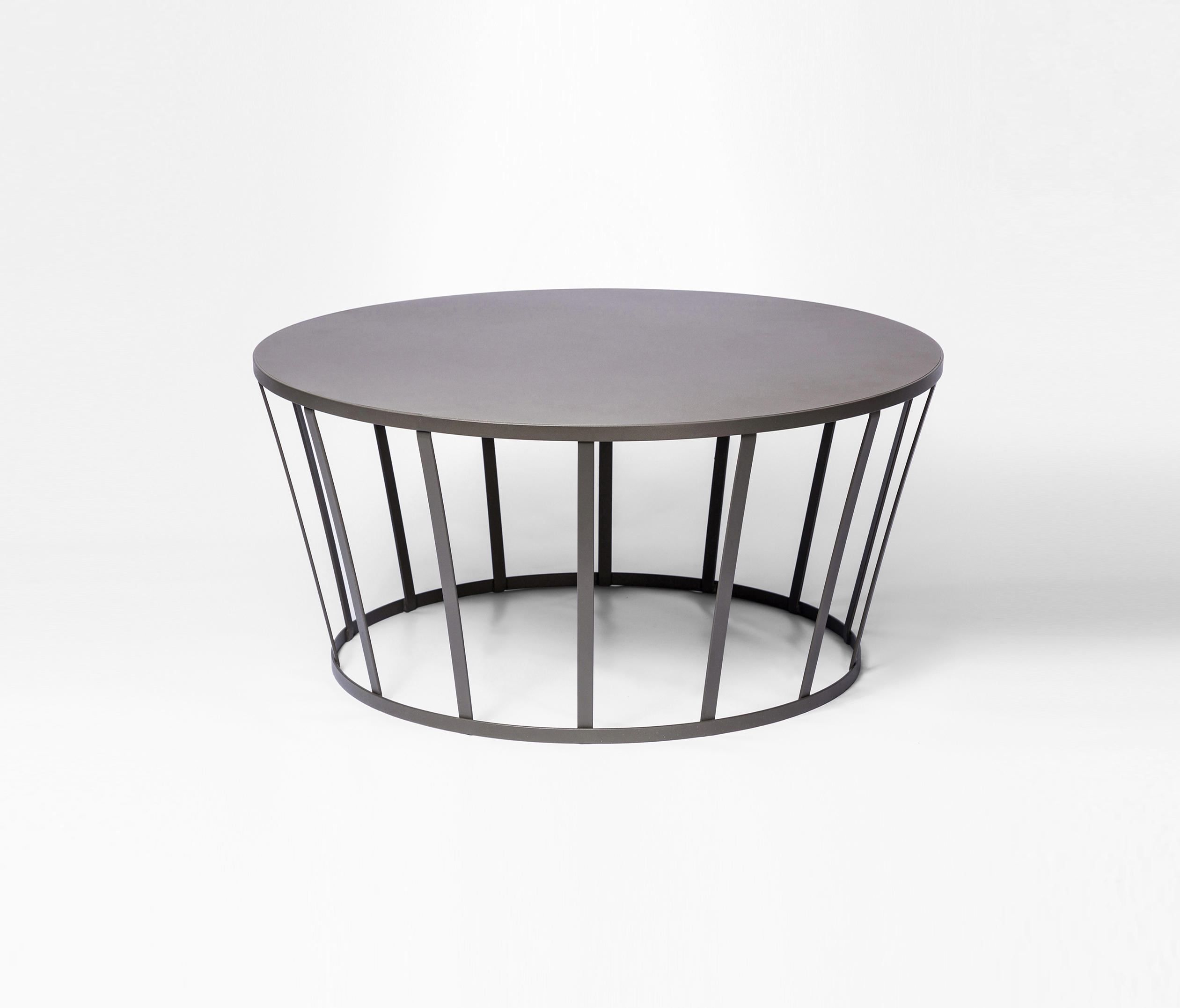 Hollo | Table Basse & Mobilier Design | Architonic serapportantà Petite Table De Salon De Jardin