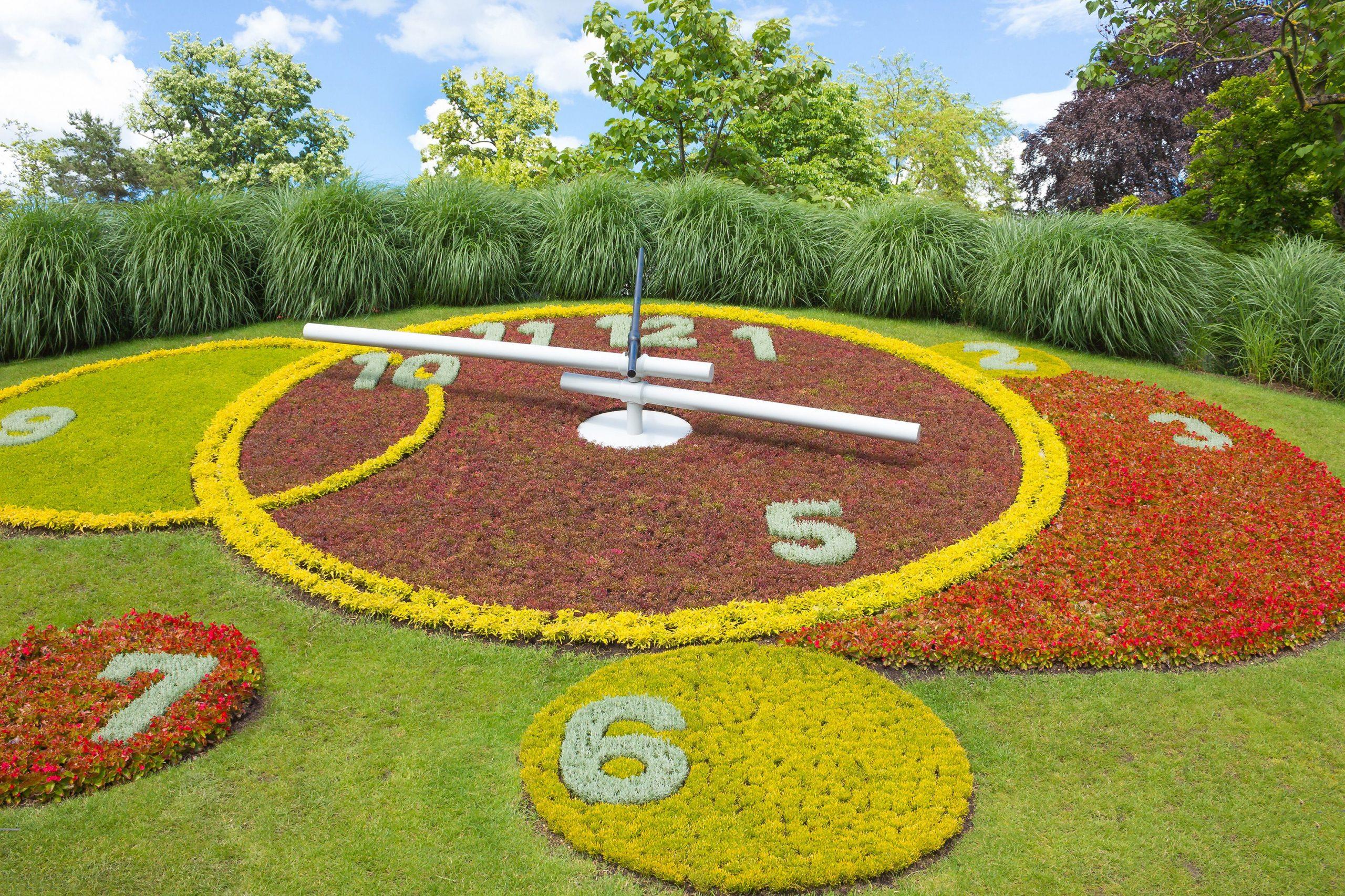 Horloge Fleurie De Genève, Jardin Des Anglais | Geneve ... à Horloge De Jardin