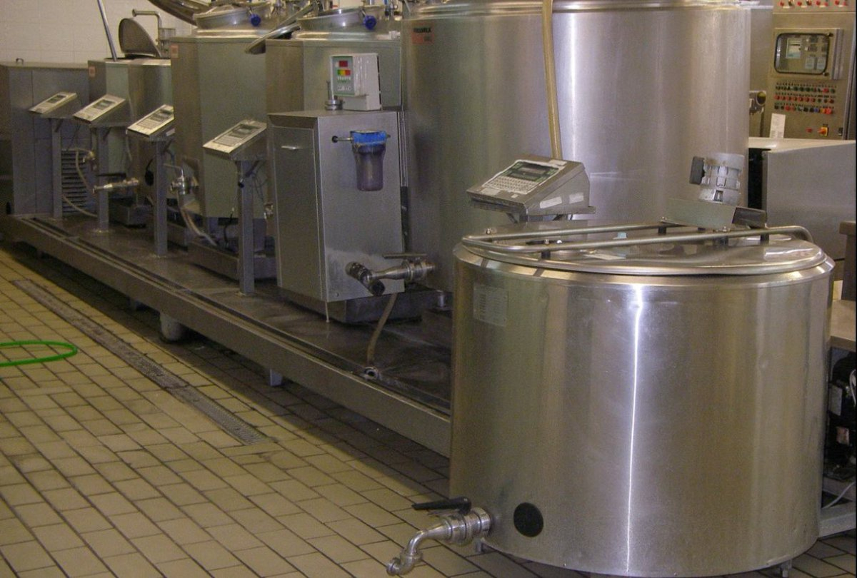 "Kosmosenergeia On Twitter: ""machines De Fabrication De ... destiné Autoclave Occasion"