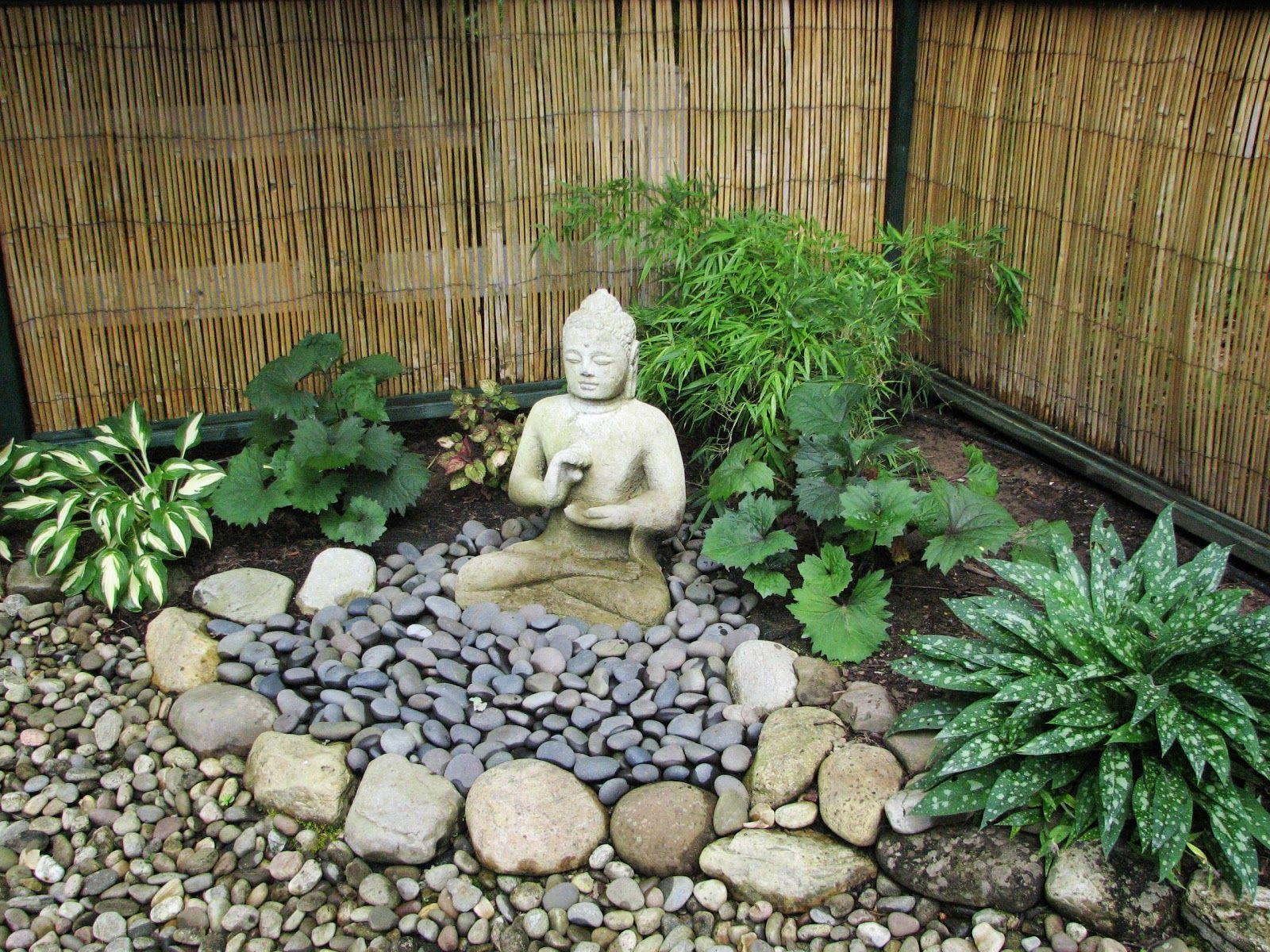 Lanterns And Landscape   Buddha Garden, Zen Garden Design ... destiné Bouddha Pour Jardin Zen