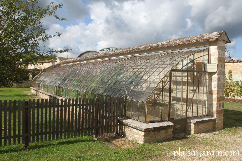Le Jardin Salomon - Plaisir-Jardin destiné Serre De Jardin Adossee Un Mur