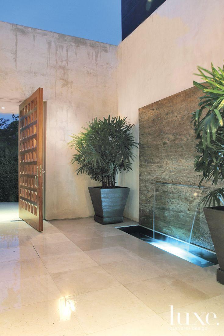 Modern Open-Air Courtyard With Fountain | Inspired Outdoor ... intérieur Fontaine De Jardin Moderne