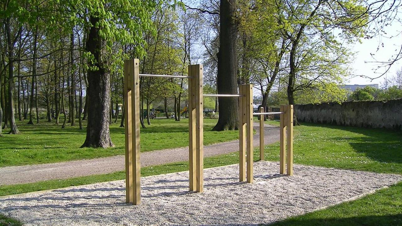 Parcours Sportif Et Parcours De Santé Jardin 38 destiné Barre Traction Jardin