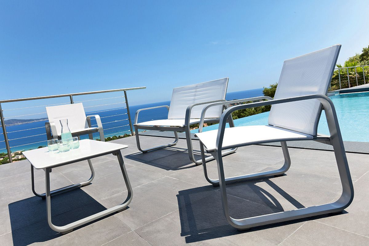 Pin On Upstairs Balcony destiné Salon De Jardin Blanc Design