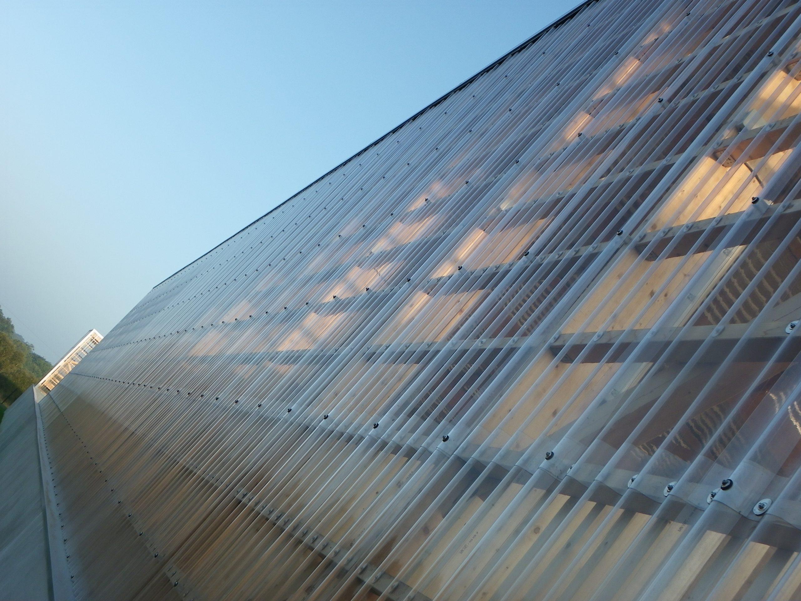 Plaque De Toiture En Polycarbonate : Tôle Transparente ... intérieur Tole Polycarbonate