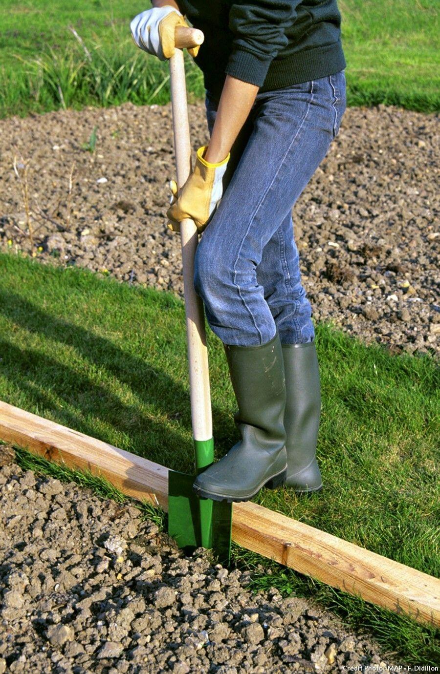 Pour Faire Une Bordure Droite | Bordure Jardin Bois, Bordure ... avec Faire Une Bordure De Jardin