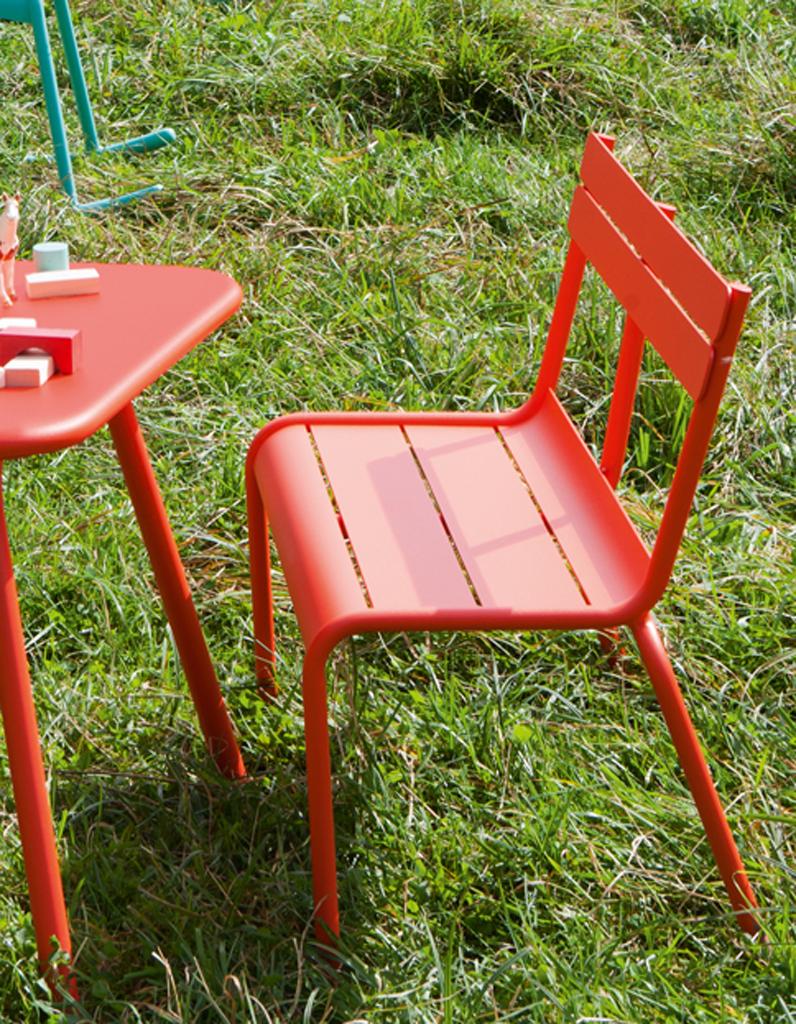 Pour Quel Salon De Jardin Pour Enfant Craquerez-Vous ... encequiconcerne Table Jardin Enfants