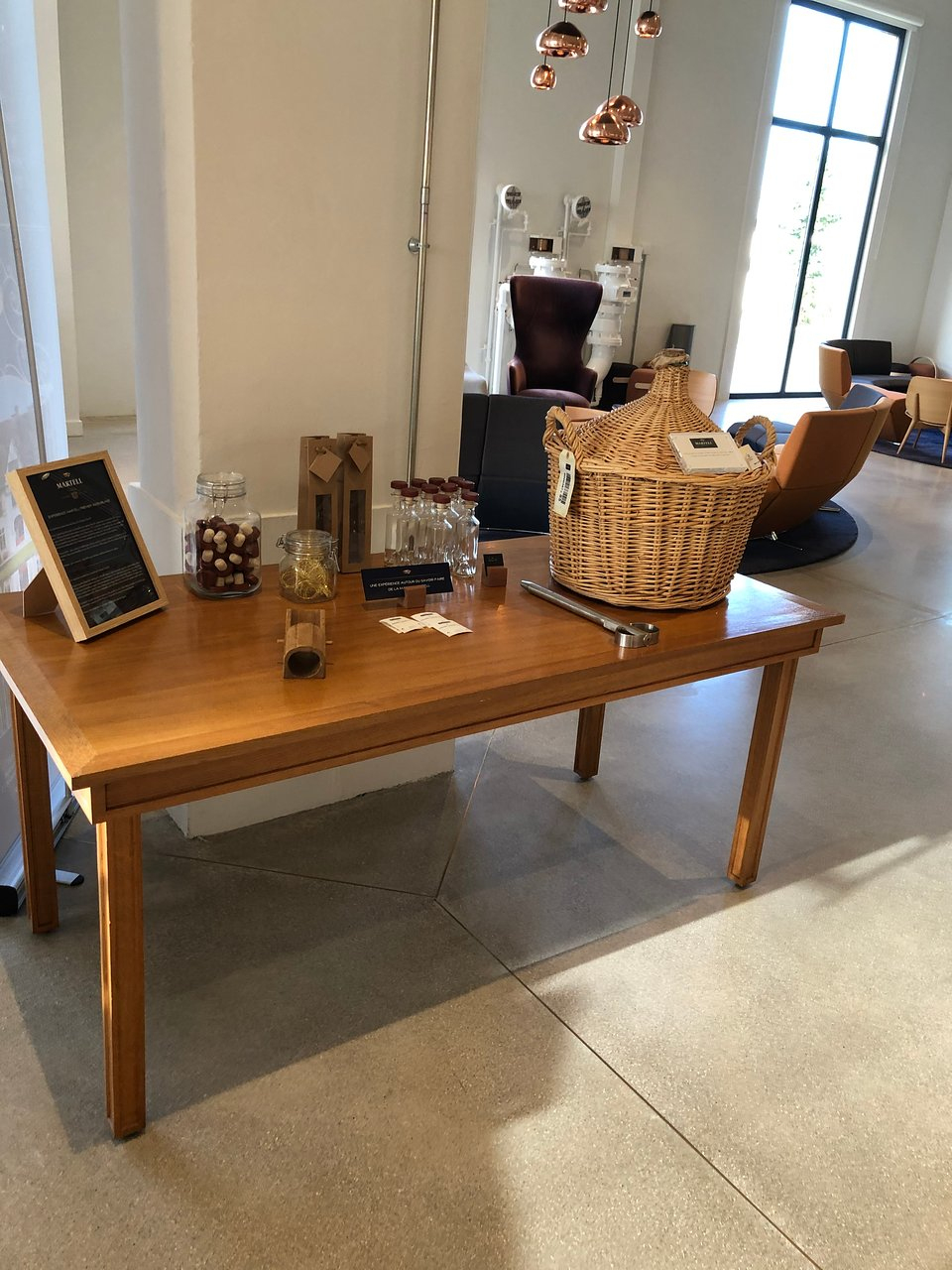 Salon De Jardin Blanc Design Charmant Martell Cognac S ... avec Salon De Jardin Blanc Design